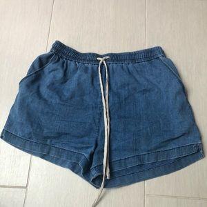 Aritzia Wilfred Soft Shorts size small